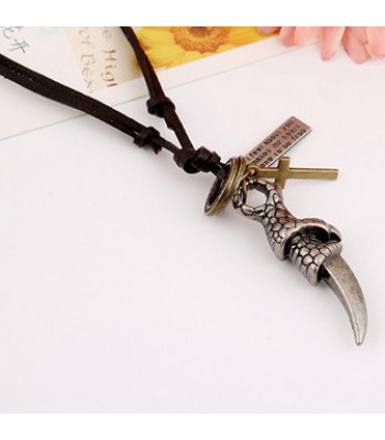 Mens Pendant Necklace : Claw